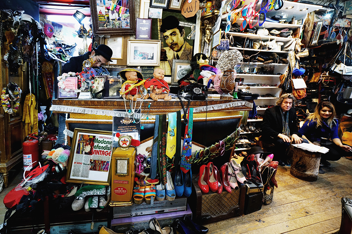 """#341 —Beyoğlu –  The Syrian Passage. The secondhand clothes store """"By Retro""""."""